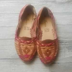 Like new!  *Mexican Sandals